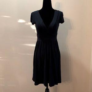 💜2/$30💜 Aritzia Talula Deep V Plunge Black Dress